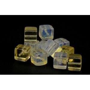 Bille cube 8mm Quartz citrine*