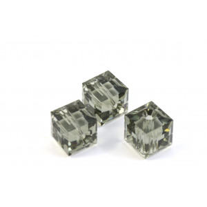 CUBE SWAROVSKI (5601) 8MM BLACK DIAMOND