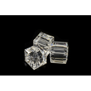 CUBE SWAROVSKI (5601) 8MM CRYSTAL