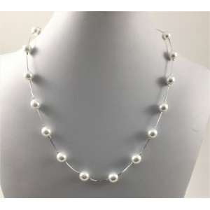 Everyday white pearls necklace