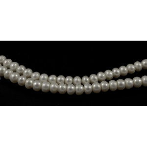 CULTURED FRESHWATER WHITE PEARLS BUTTON 8MM