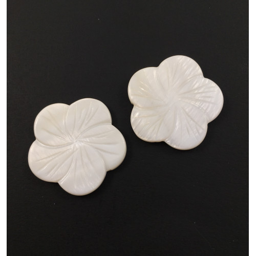 Billes mother-of-pearl coquillage fleurs scupltées 30 mm blanche*